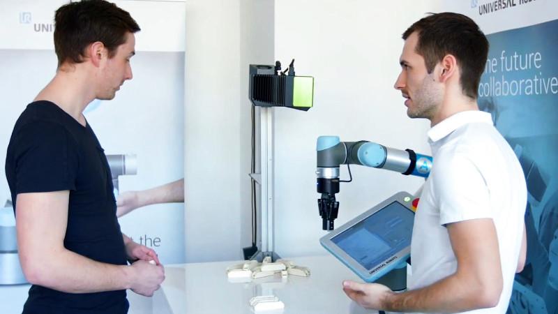 Servis robotů